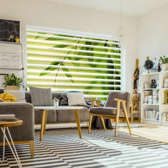 @La-Melle - Wohnzimmer mit floralen Doppelrollo