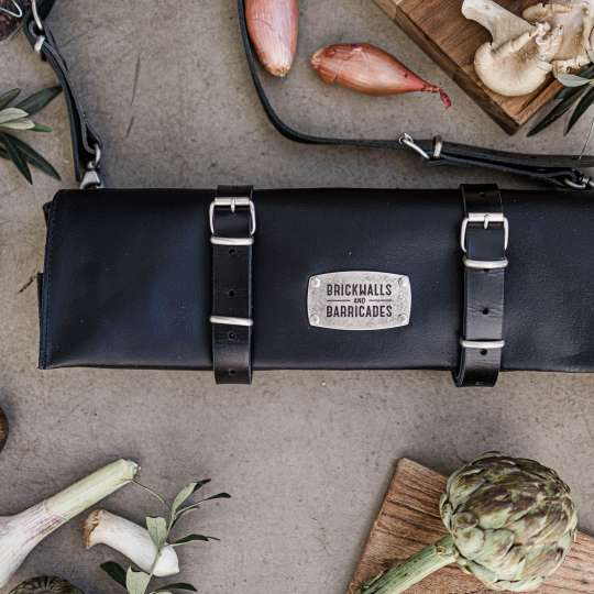 Brickwalls and Barricades The Classic Kniferoll Messertasche Black mood