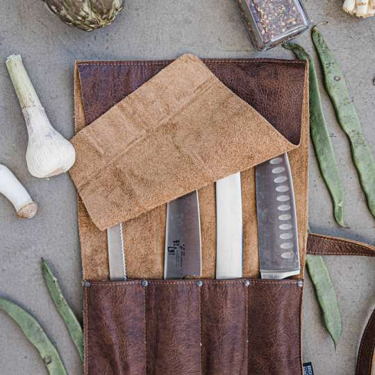 Brickwalls and Barricades The Premium Knife Pouch Messerbeutel Brown mood