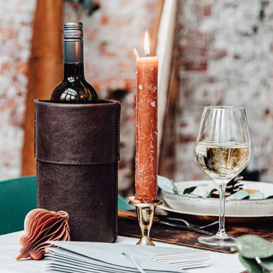 Brickwalls&Barricades: Weinkühler aus Leder