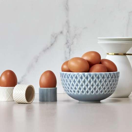 Dottier Eierbecher und Schale