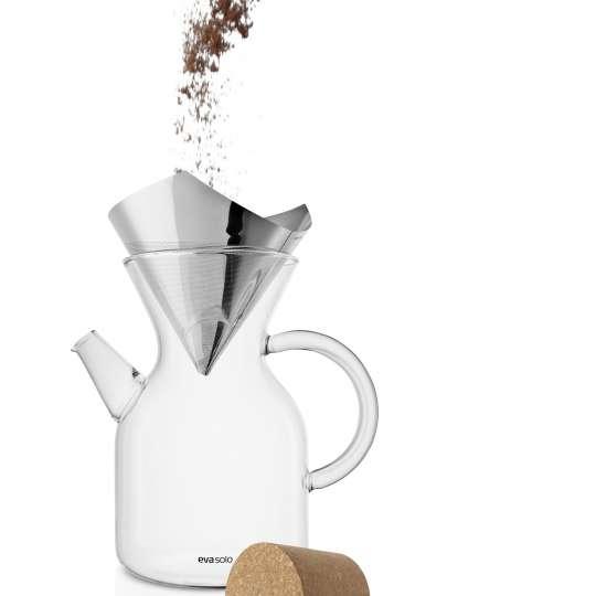 Eva Solo Pour over coffee maker mit Kaffeepulver