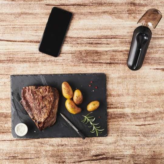 Mastrad MEATIT+ F74380 – neben dem Steak auf dem Teller