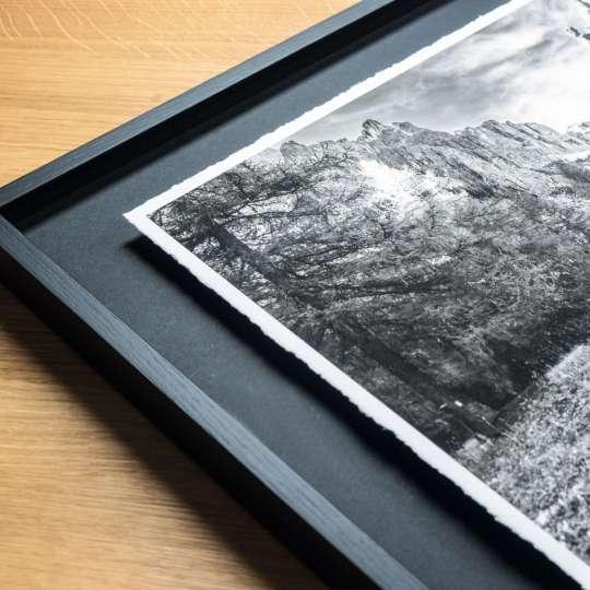 Halbe-Rahmen - Hochwertige Schwarzweiß-Bilder auf handgeschöpftem Büttenpapier