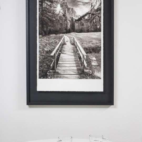 Halbe-Rahmen - Schwarzweiß-Bilder mit einem schwarzen Passepartout und schwarzem Rahmen