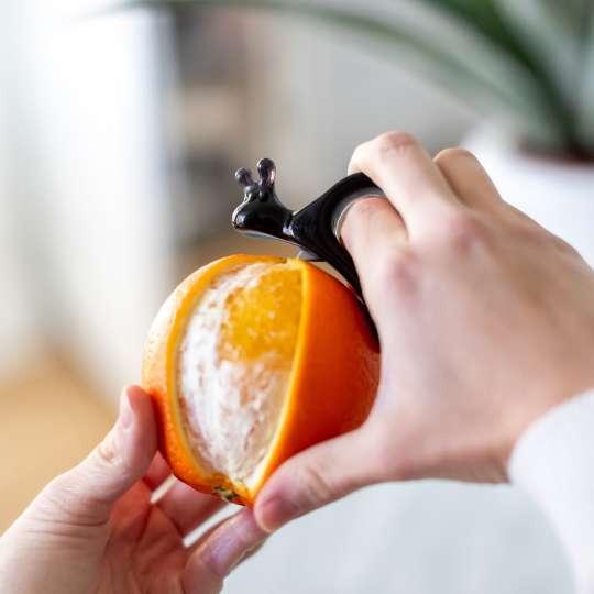 Koziol - Energy Tool Set - EMMA P. schwarz - Orange schälen