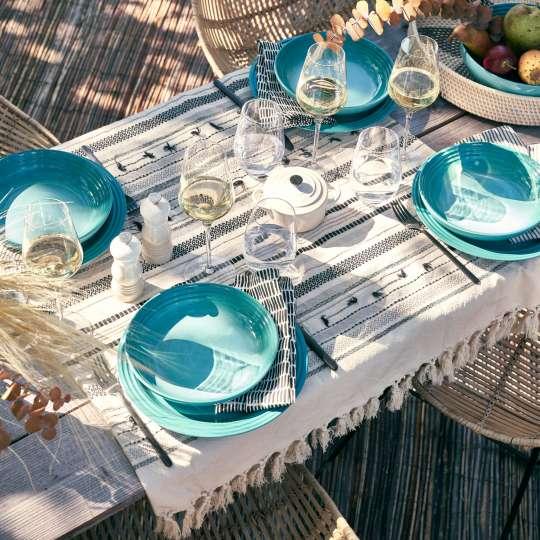 Le Creuset Taste Adventure Heat & Eat gedeckter Tisch