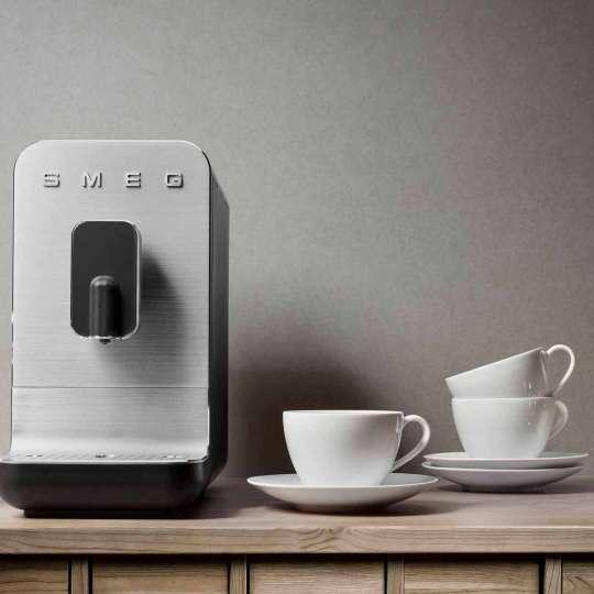 SMEG - Kaffeevollautomat BCC01BLMEU schwarz - Tassen