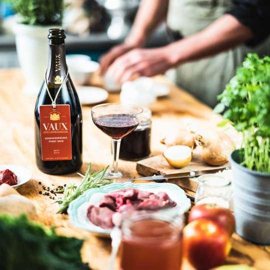 Sektmanufaktur VAUX - Assmannshäuser Pinot Noir - Küche