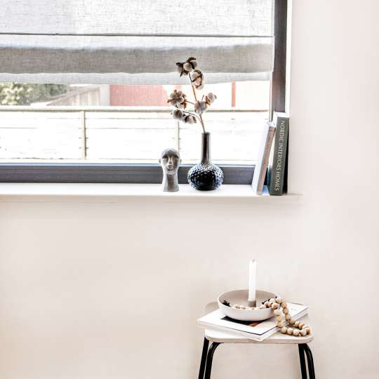 Schulz Home - Raffrollo mit Fensterrahmenbefestigung - Deko auf Fensterbank