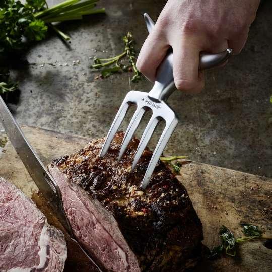 SteakChamp Fleischgabel Bull Fork Anwendung