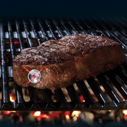 SteakChamp 10-2025 Steak-Thermometer beim Grillen