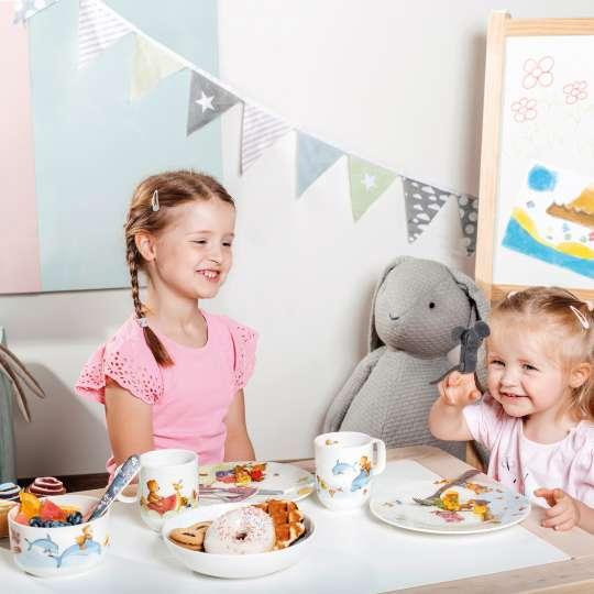 Villeroy & Boch - Kindergeschirr Hungry & Happy as a bear - Mädchen am Tisch