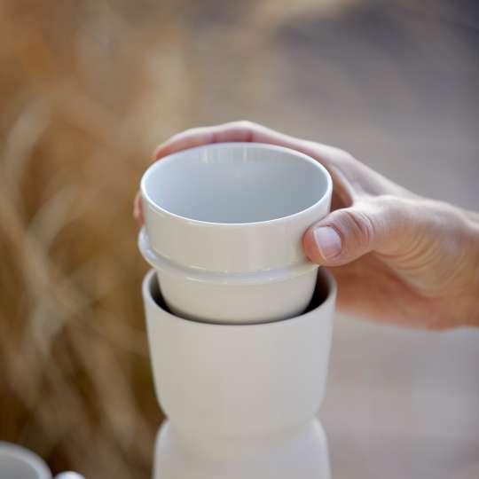 Zone - INU Karaffe mit Tasse - Tasse herausnehmen - Detail