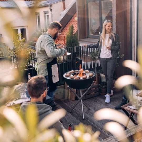 Höfats - Grillen mit der Bow auf dem Balkon.jpg