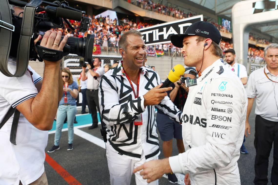Germens Artfashion: Moderator Kai Ebel trägt GERMENS Hemden / Interview Nico Rosberg / Modell Rosarium