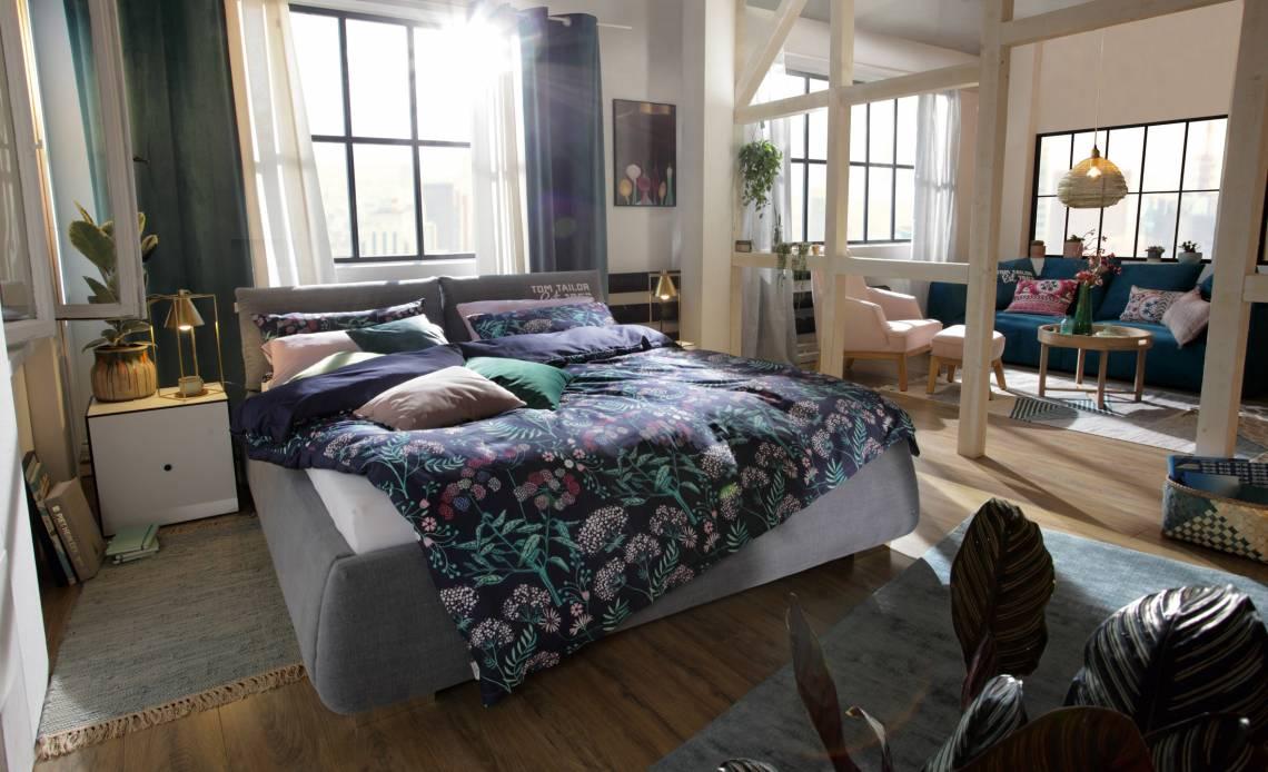 Tom Tailor Home Soft Pillow XL Polsterbett mit hohem XL Kopfteil in Kissenform