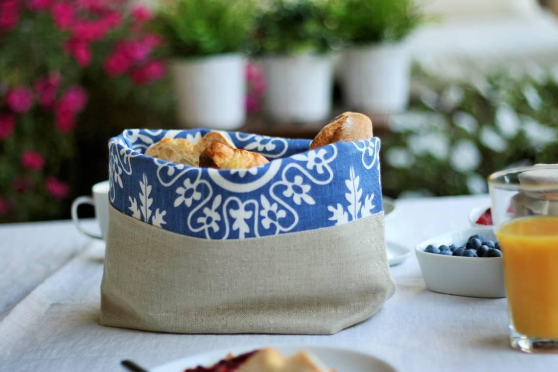 Slowroom: Brottasche Azur für den Frühstückstisch