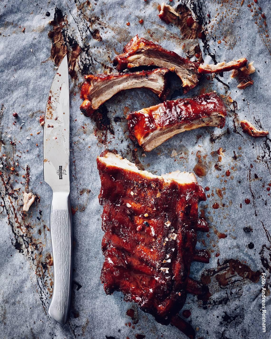 Steakmesser beim Grillen