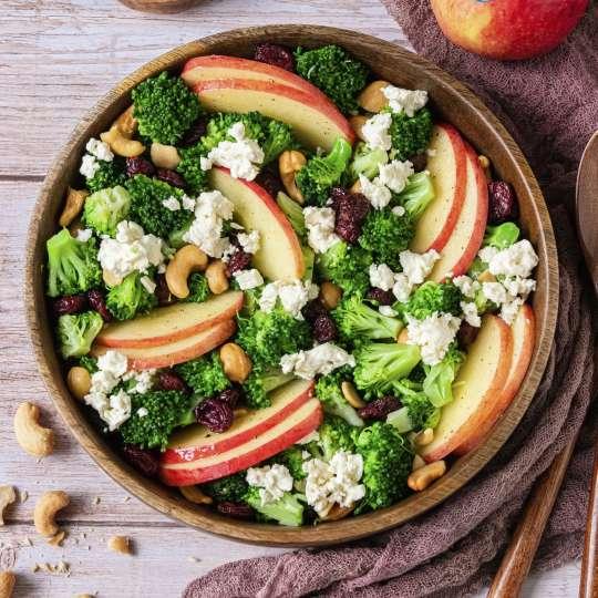 Brokkoli-Salat mit JAZZ Äpfeln - Maltes Kitchen