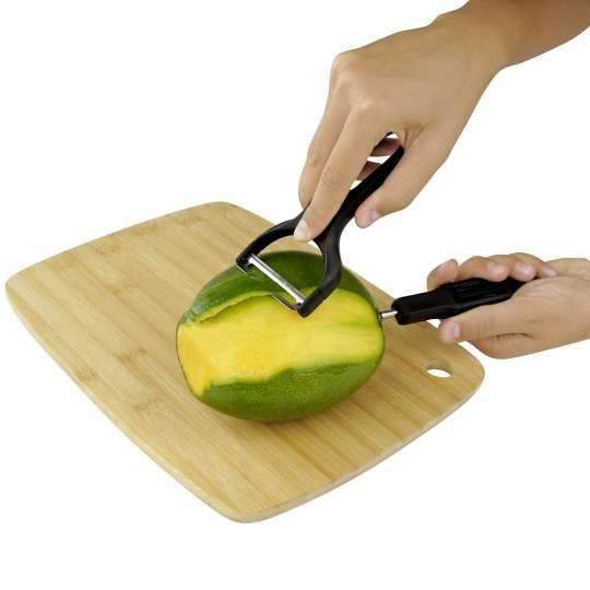Fackelmann: Die Mango mit einem Schäler schälen