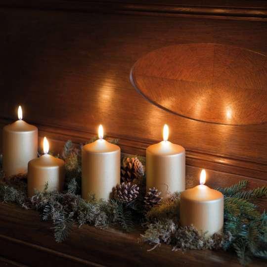 Weihnachtliche Kerzendekoration