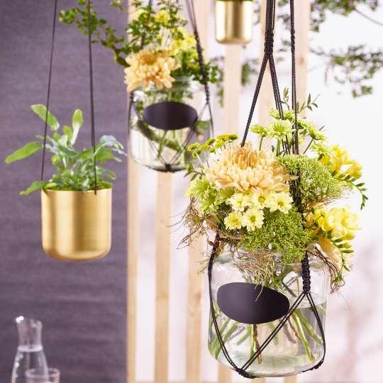 Frühlingsbeginn mit Chrysanthemen - Kompositionen