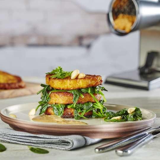 Rezept GEFU - Süßkartoffel-Sellerie Türmchen mit Spinat gefüllt auf Erdnusssauce - quer