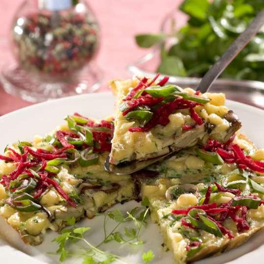 Spätzle-Pfannkuchen mit Feldsalat