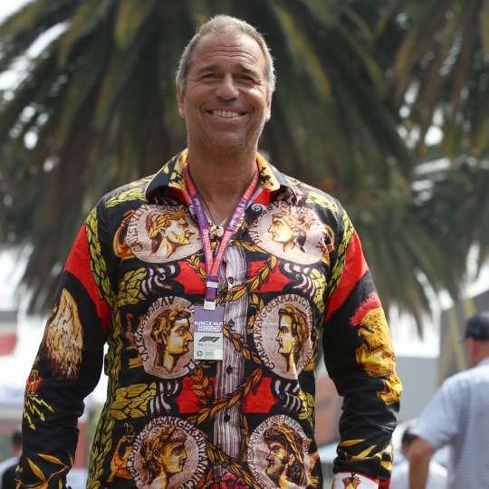 Germens Artfashion: Moderator Kai Ebel trägt GERMENS Hemden - Mood Modell 'Imperator'