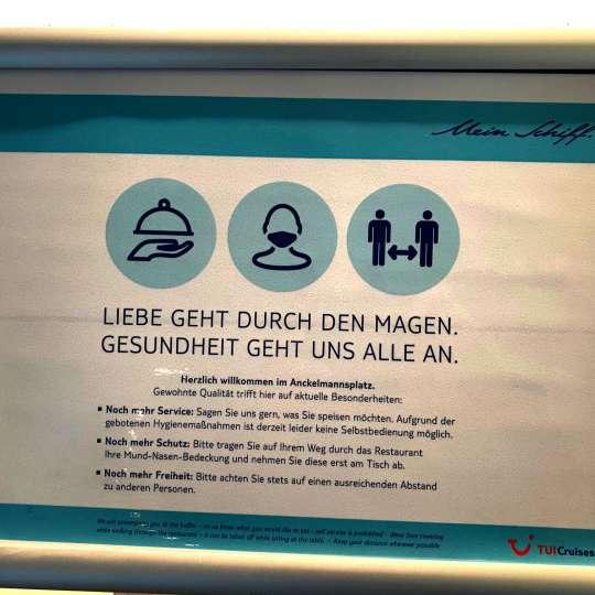 MEIN SCHIFF 2 - Hinweisschilder im Buffet-Restaurant Anckelmannsplatz