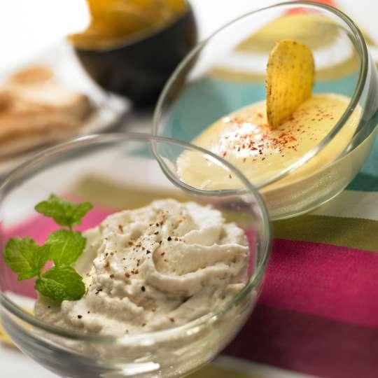 Mastrad Humus (Kichererbsenpüree) und Maisschaum