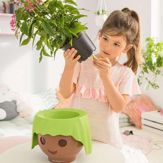 LECHUZA OJO - Pflanzenfreunde mit Style / Mädchen bei Pflege