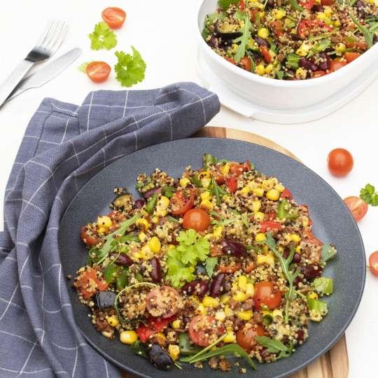 Mexikanischer Salat mit Quinoa und Kidneybohnen