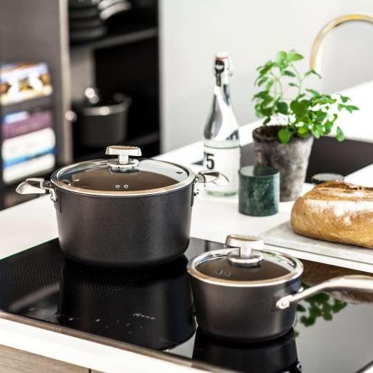 Pro IQ - Stielkasserolle und Kochtopf von Scanpan
