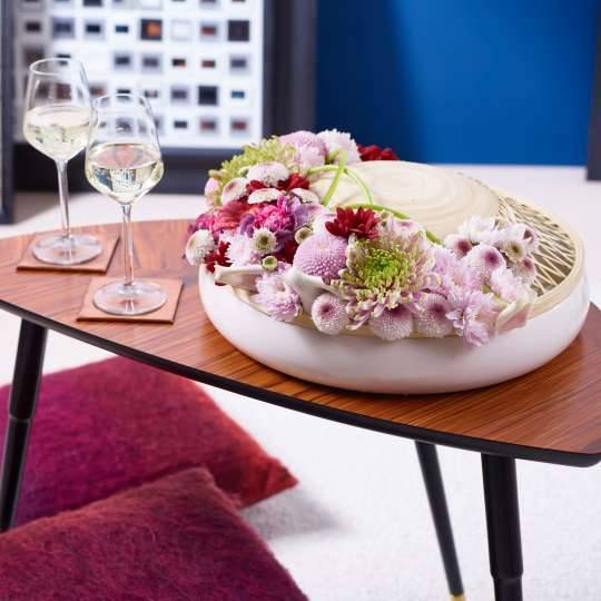 Ungewöhnliches Arrangement mit Chrysanthemen