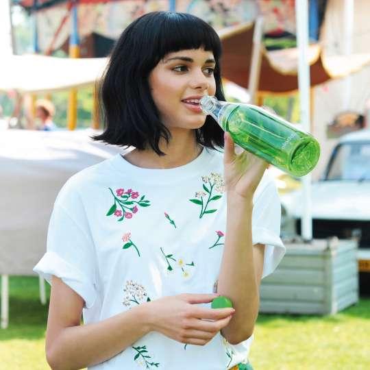 Trendige Wasserflasche to go  von aladdin