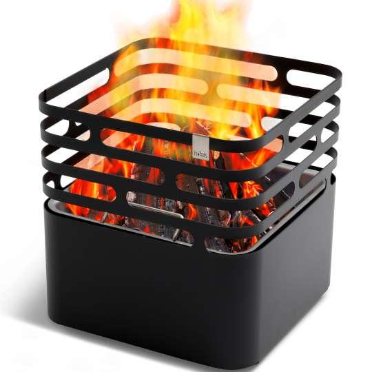 Cube von höfats - Feuerkorb, schwarz - mit Feuer