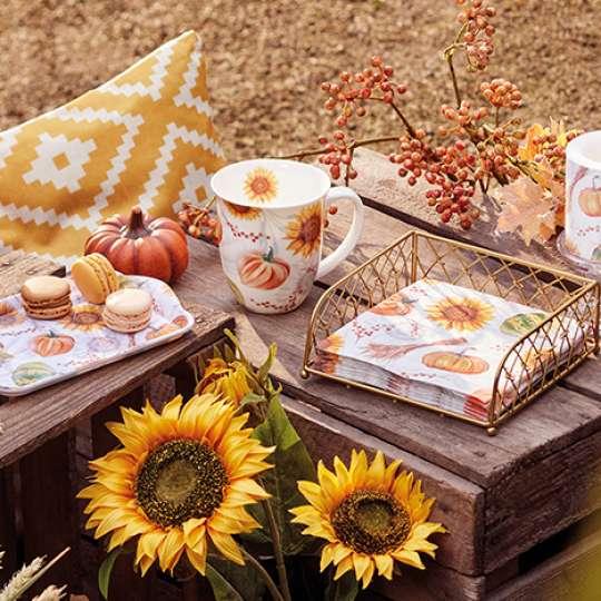 Herbstdekoration Pumpkins and Sunflowers