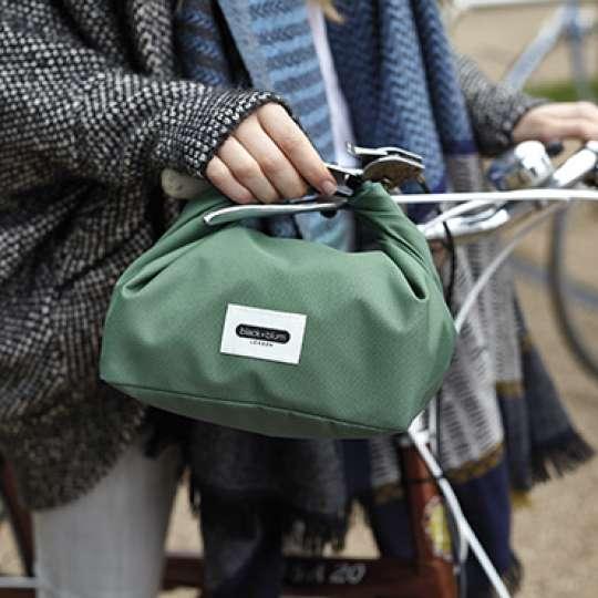 Die neue black+blum Lunchbag aus recyceltem Material