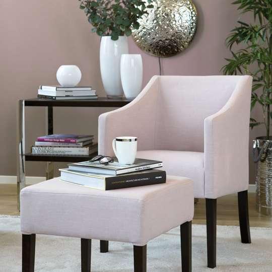 Polstermöbel aus der Fink Living- Kollektion in Pastellfarben