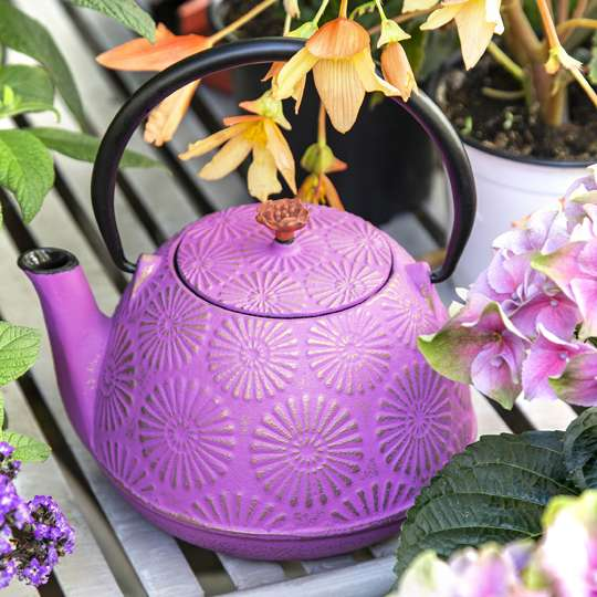 Es wird Frühling: mit den Teekannen aus Gusseisen von ja-unendlich