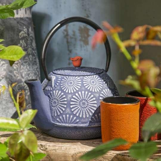 Blumig und Maritim - Geschenke mit Stil: Teekannen aus Gusseisen