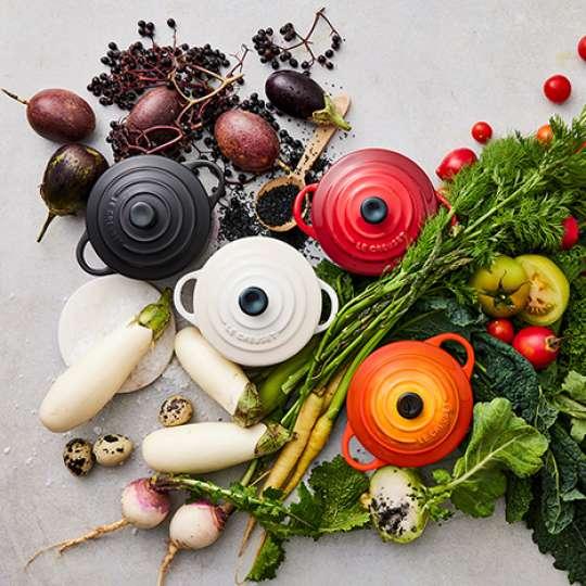 Kochtöpfe verschiedene Farben