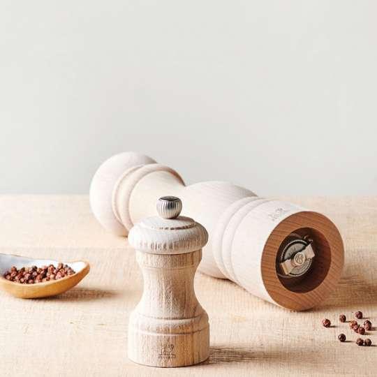 Nature Kollektion Upcycling statt Wegwerfen: Die Salz- und  Pfeffermühlen der  Nature Kollektion von  Peugeot Saveurs