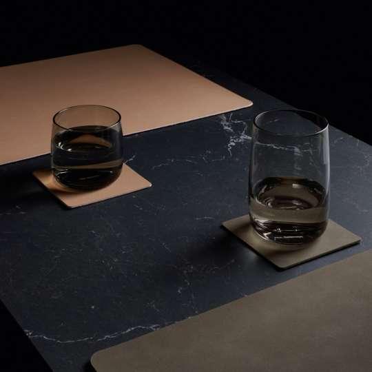 Tischsets und Untersetzer aus veganem Leder