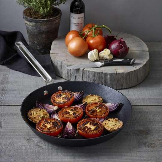 Scanpan: Serie TechnIQ / Bratpfanne, Zubereitung Tomaten
