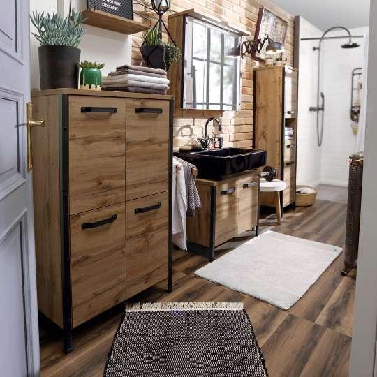 Tom Tailor SOHO Badmöbelserie mit mattschwarzen Kanten und Griffen